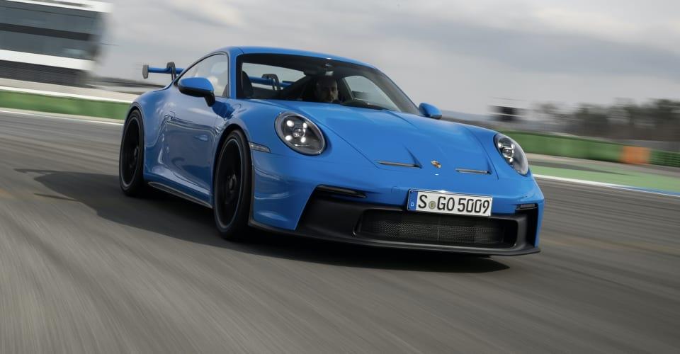 Porsche 911 GT3 2021 Prezzo e specifiche: $ 369.700 prima dei costi stradali per un'auto sportiva incentrata sulla gara.