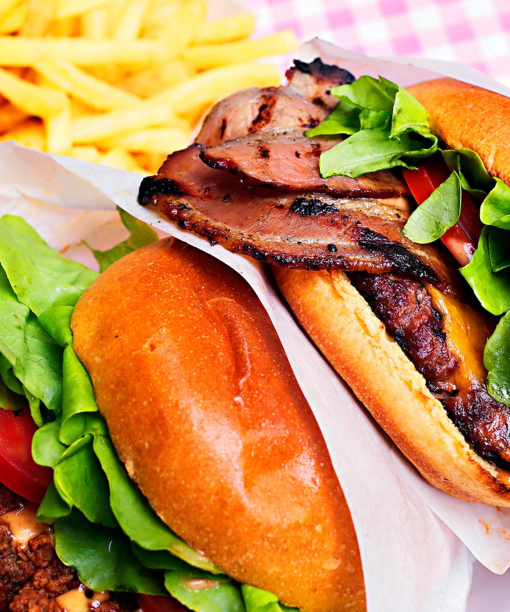 Due hamburger di Meat & Pan.