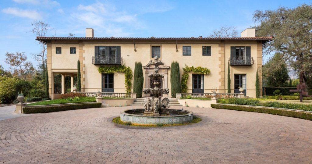 Il proprietario dell'Hollywood Roosevelt Hotel chiede 21,5 milioni di dollari per acquistare una proprietà