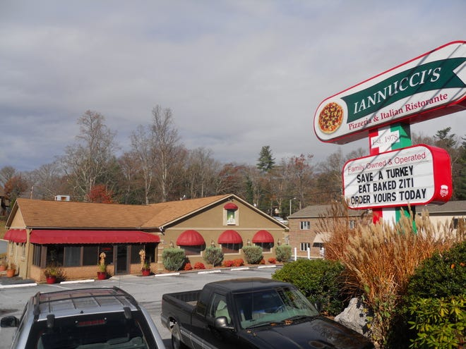 Iannucci's Pizzeria & Italian Restaurant ha chiuso nel 2020.