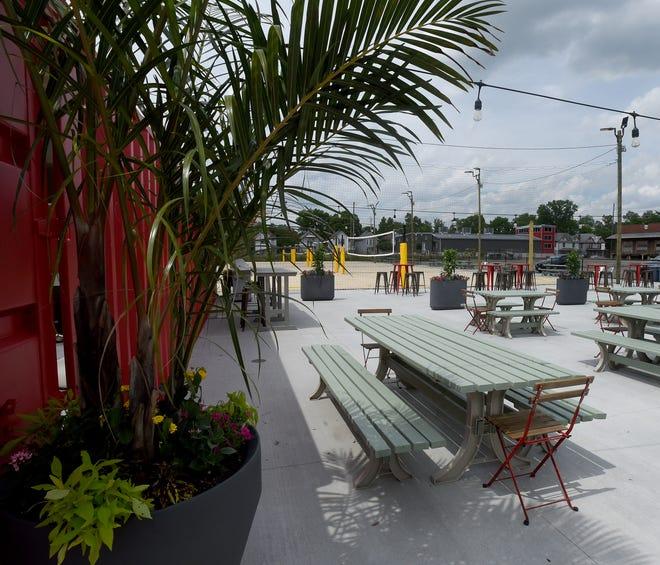 La stazione di Newark, un ex sito industriale su West Main Street, diventerà un luogo di intrattenimento, tempo libero, vendita al dettaglio, cibo e bevande, arte e alloggi.