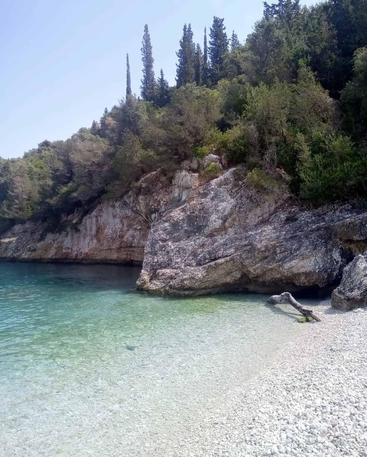 Camelia e Daphnudi a Cefalonia fanno parte della lista delle 10 migliori spiagge appartate d'Europa 7