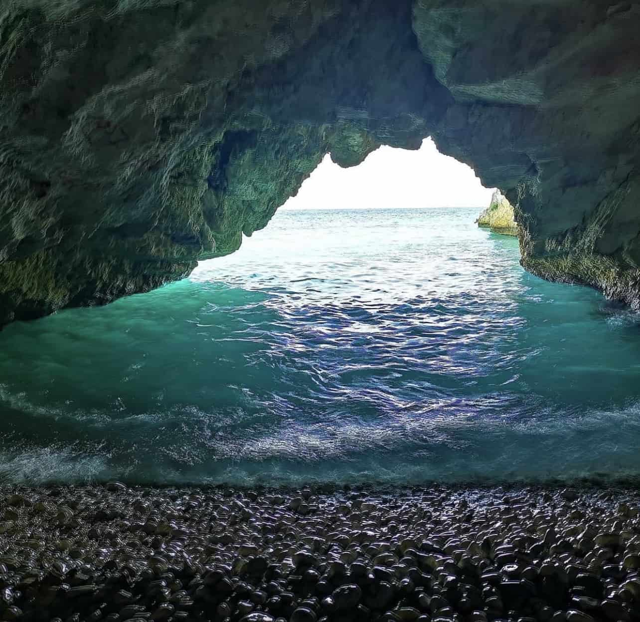 Camelia e Daphnudi a Cefalonia fanno parte della lista delle 10 migliori spiagge appartate d'Europa 9