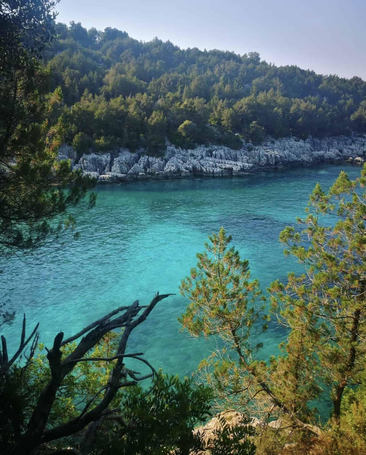 Camelia e Daphnudi a Cefalonia fanno parte della loro lista delle dieci migliori spiagge appartate d'Europa
