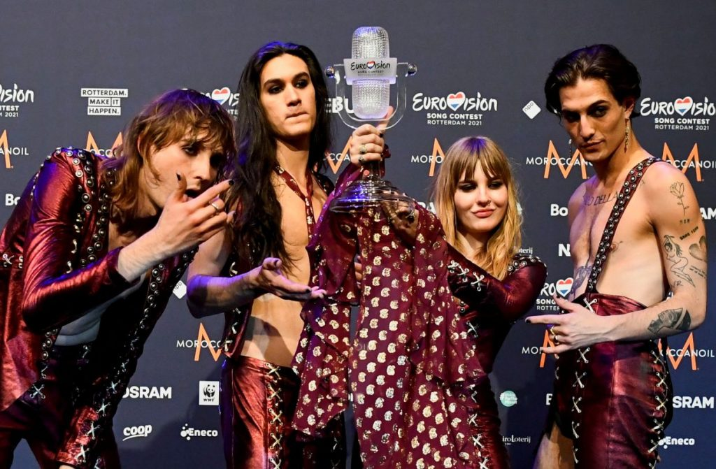 Maneskin of Italy pose with the trophy following a news conference after winning the 2021 Eurovision Song Contest, in Rotterdam, Netherlands. Photo: Reuters
