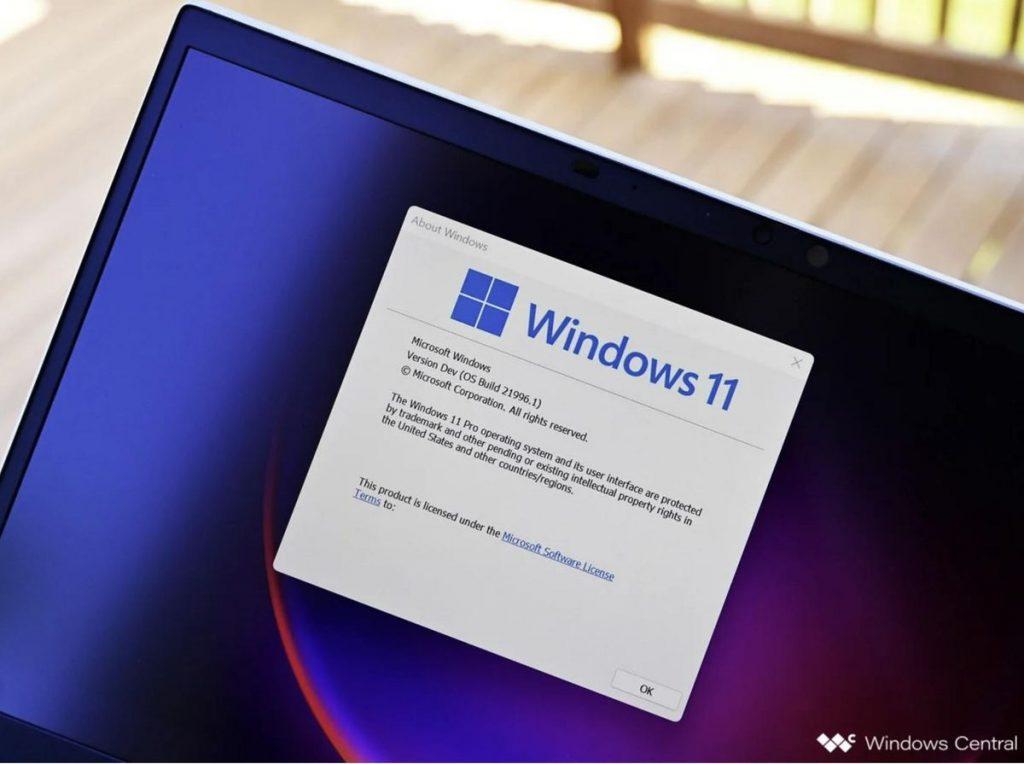 """Esistono recensioni """"trapelate"""" di Windows 11 - è stato veloce"""
