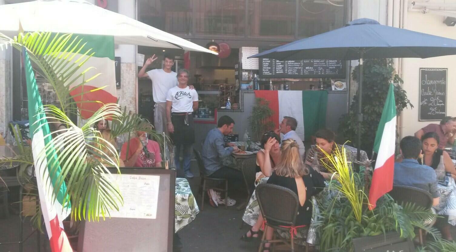 Tricolore italiano in abbondanza alla Salsa Rossa di Cannes.