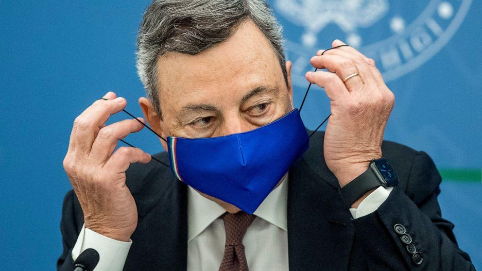 """L'Italia richiederà una """"carta"""" COVID-19 per molte attività"""