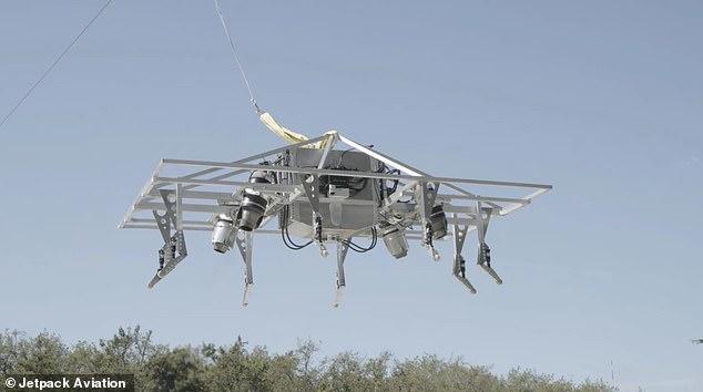 Jetpack Aviation ha autorizzato il primo test del suo P1 Speeder, un aereo a decollo e atterraggio verticale a propulsione a getto (VTOL) che sarà in grado di raggiungere le 300 miglia orarie