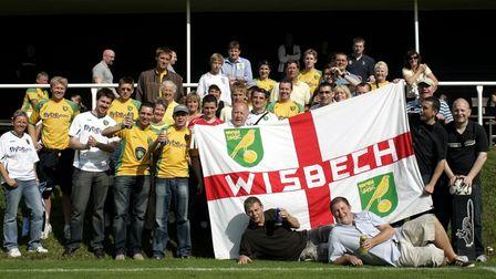 Una partita amichevole tra Norwich City e Ahlafors Svezia, che si è svolta a Cephallins.  Norwich