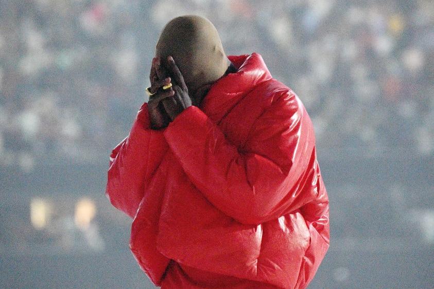 Kanye West al Mercedes-Benz Stadium di Atlanta per l'evento di ascolto DONDA
