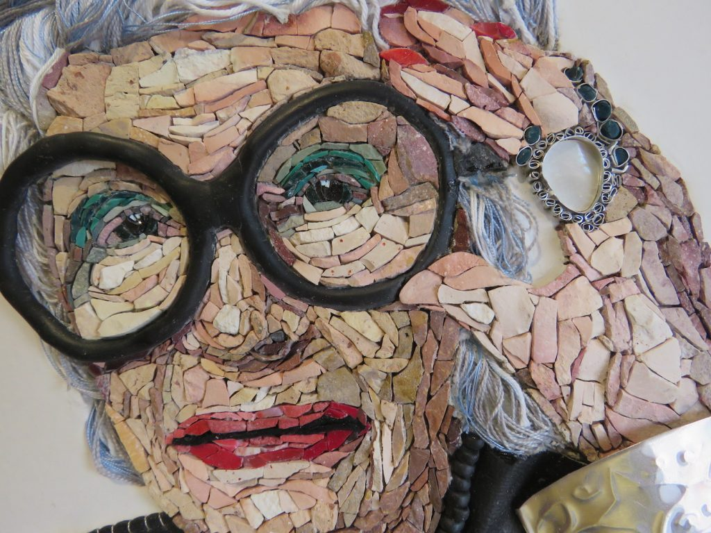 """L'antica forma d'arte raffigura temi moderni in """"50 Faces"""" in The Muck"""