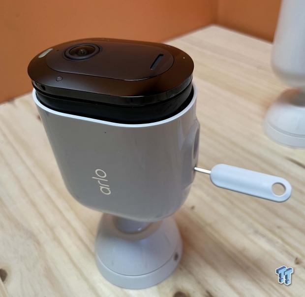 Recensione del kit di sicurezza domestica Arlo Pro 4 10    TweakTown.com