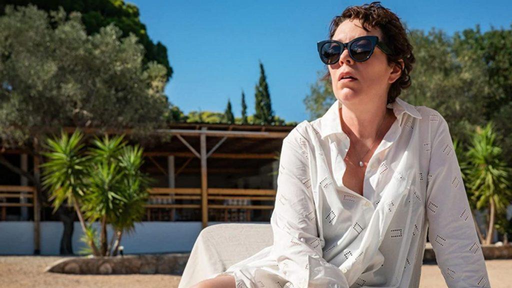 Netflix rivela il primo sguardo alla regia di Maggie Gyllenhaal, con Olivia Colman e Dakota Johnson