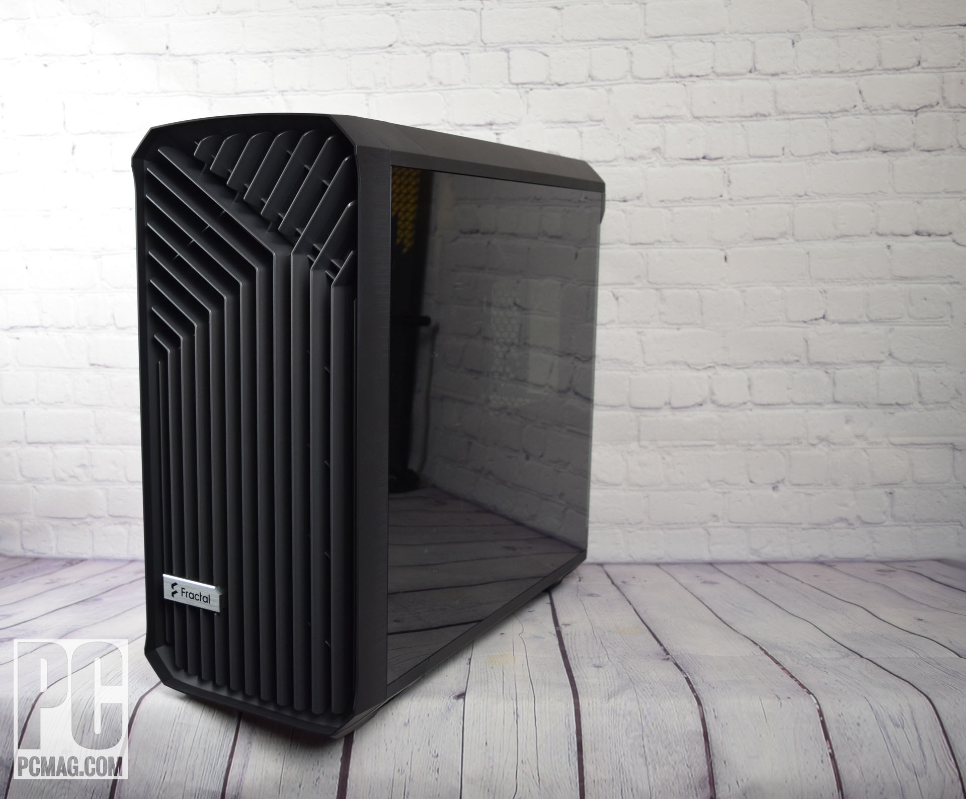 Fractal Design Torrent RGB (angolo laterale)