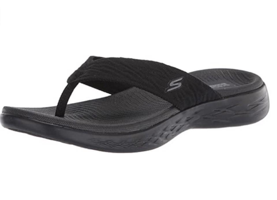Non lesinare qui: siamo legati dietro questi comodi sandali.  (Foto: Amazon)