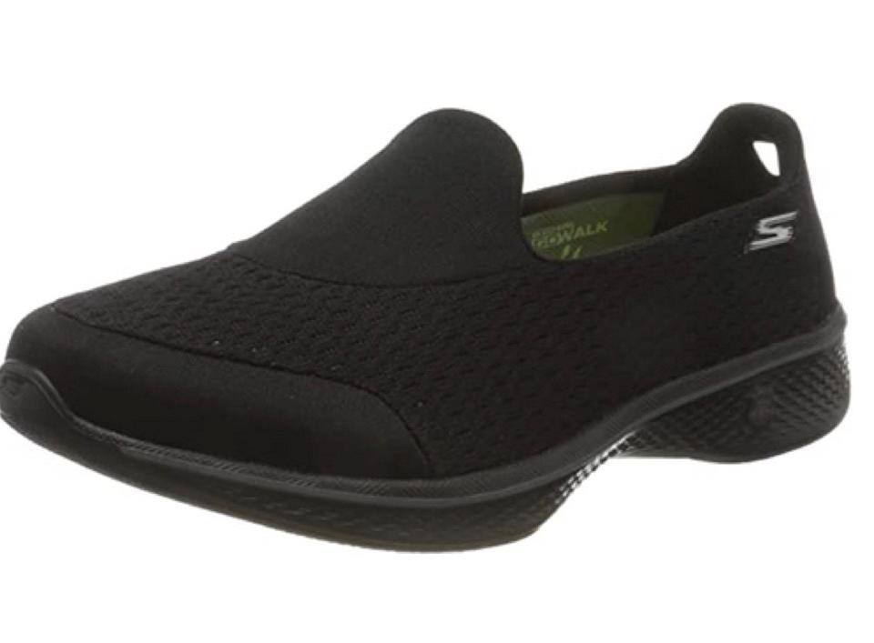 Queste scarpe sono progettate per camminare... ma se ti piace sederti e rilassarti, va bene.  Starai benissimo in ogni caso.  (Foto: Amazon)