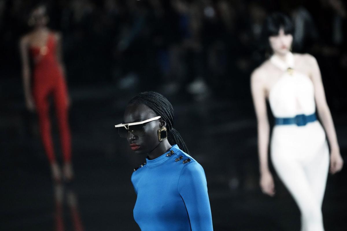 La Paris Fashion Week continua la sua seconda giornata intera