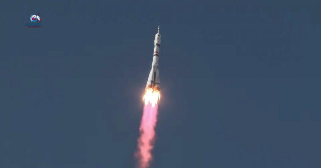 La troupe cinematografica russa è arrivata alla stazione spaziale